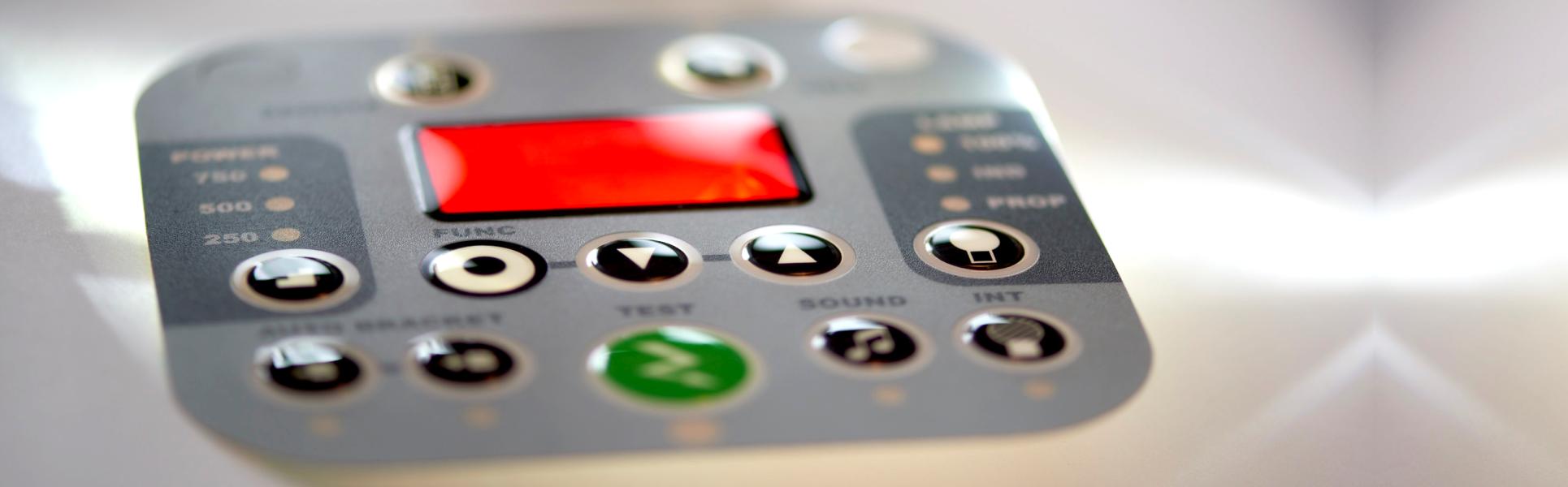 <p>Endüstriyel etiket üretimi konusunda hizmet veren firmamız,müşterilerden gelen talepler doğrultusunda başta serigrafi baskı yöntemi olmak üzere, tampon baskı, dijital baskı, lazer kazıma etiket, damla etiket gibi alternatif yöntemlerle ihtiyaca özel etiket üretmektedir.</p>